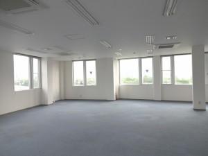 4階フロア(蛍光灯はLED)