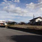 前面道路北西側からの敷地(2017年11月)(外観)