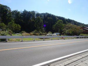 前面道路北側から撮影(2020年10月)