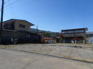 前面道路東側から撮影(2020年10月)