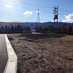 東側隣接道路と現地(2018年12月撮影)