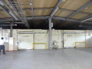 倉庫北西側設置の冷蔵庫