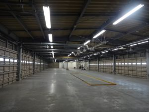 倉庫内部南東方向