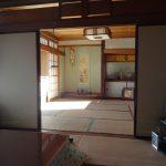 1F8畳和室には床の間があります。6畳和室から撮影