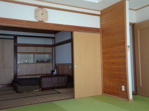 1F洋室から和室を撮影