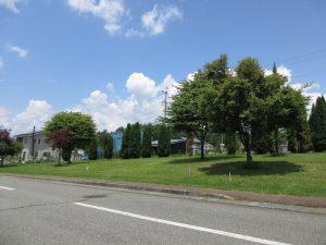 前面道路南東側から撮影(2019年7月)