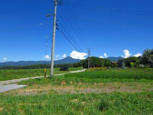 物件から北東方向の蓼科山の眺望(2019年8月)