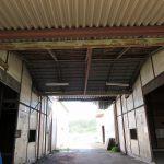 倉庫通路から北方向を撮影。左がA棟