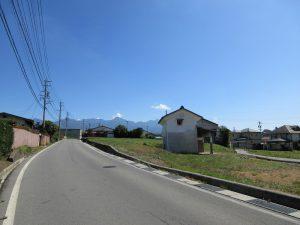 前面道路から東方向を撮影(2019年9月)