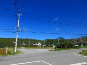 前面道路R299から物件を撮影(2019年10月)