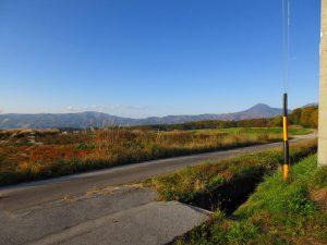 物件から北方向の蓼科山の眺望(2019年11月)