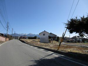 前面道路から東方向を撮影(2020年2月)