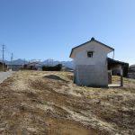 西側から物件を撮影。八ヶ岳の眺望(2020年2月)
