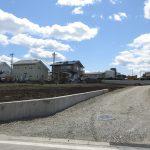 北側の道から南方向を撮影(2020年4月)