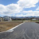 西側道路から東方向を撮影(2020年4月)