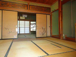 中央の8帖和室×2部屋を南側から撮影