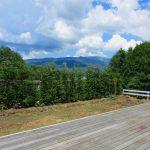 西棟の西側デッキから見える車山の眺望(2021年7月)