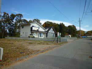 道路西側から撮影(2017年11月)