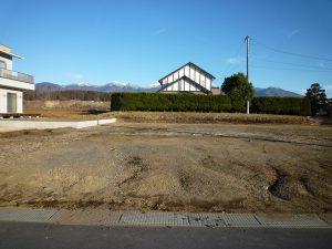 前面道路から東方向に見える八ヶ岳(2017年12月)