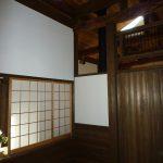 和室6帖。吹き抜けの奥が店舗スペース(2018年1月撮影)