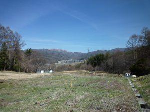 物件から北方向に見える車山高原(2018年4月)