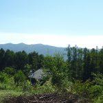 物件南西方向に見える入笠山(2018年8月撮影)