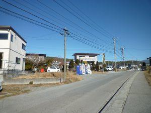 前面道路南東側から撮影(2018年12月)