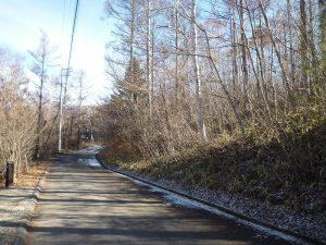前面道路から現地(2018年12月25日撮影)。
