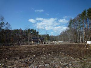 南西側から物件を撮影・蓼科山の眺望(2019年4月)