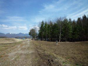 前面道路から東方向の八ケ岳の眺望(2019年4月)