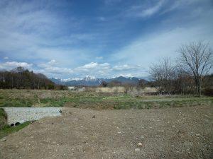 物件東方向に八ケ岳を望む(2019年4月)