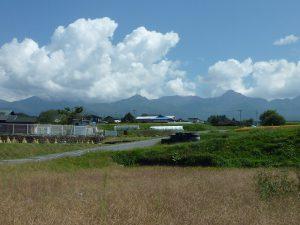 敷地から見える八ヶ岳連峰(2017年9月撮影)